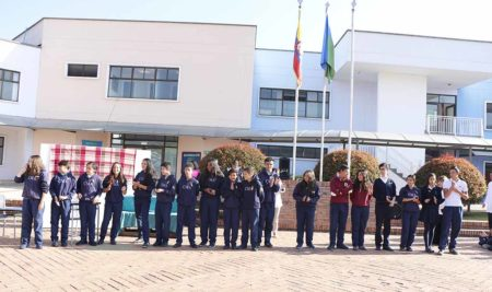 Izada de Bandera Bachillerato 8°